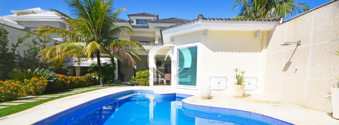 Casa Triplex com Subsolo Crystal Lake Barra da Tijuca
